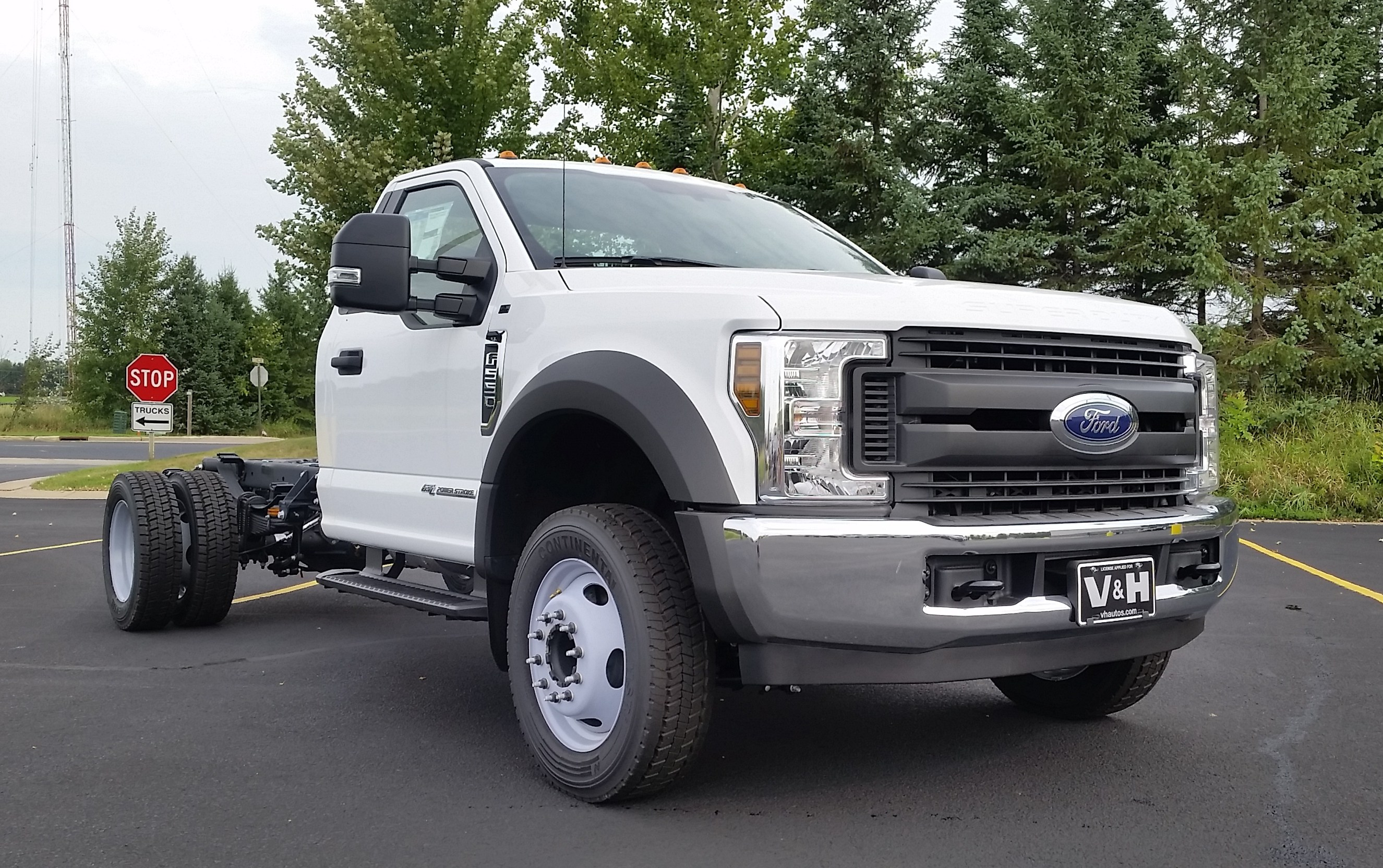 2018 F-550 Regular Cab DRW 4x2,  Cab Chassis #21822 - photo 3