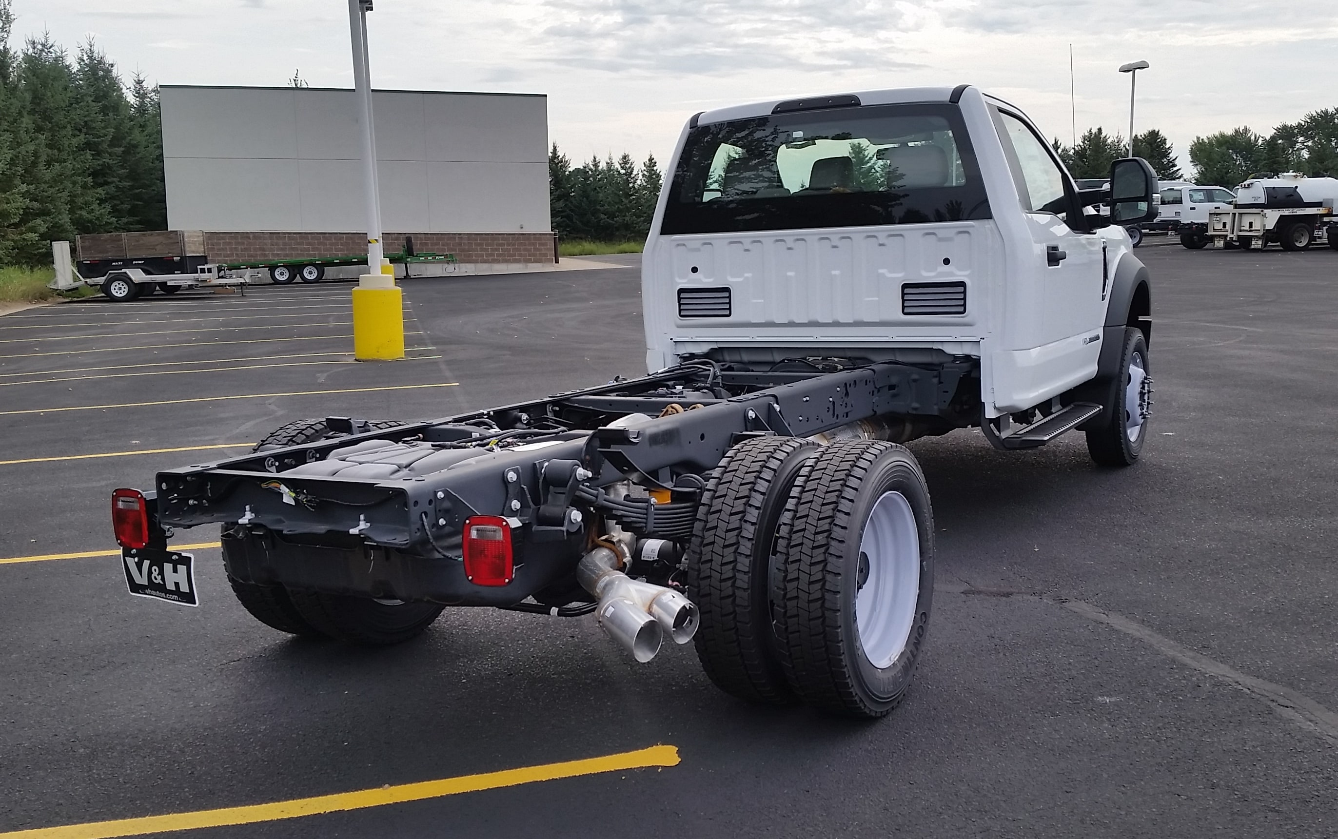 2018 F-550 Regular Cab DRW 4x2,  Cab Chassis #21822 - photo 8