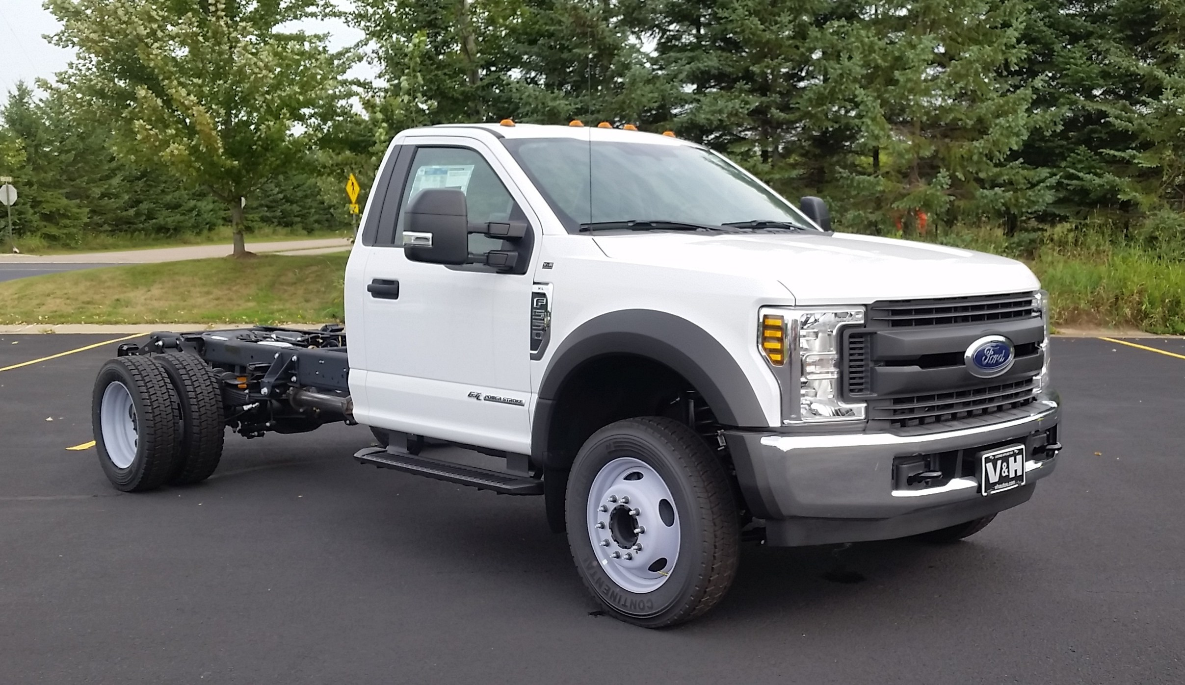 2018 F-550 Regular Cab DRW 4x2,  Cab Chassis #21824 - photo 3