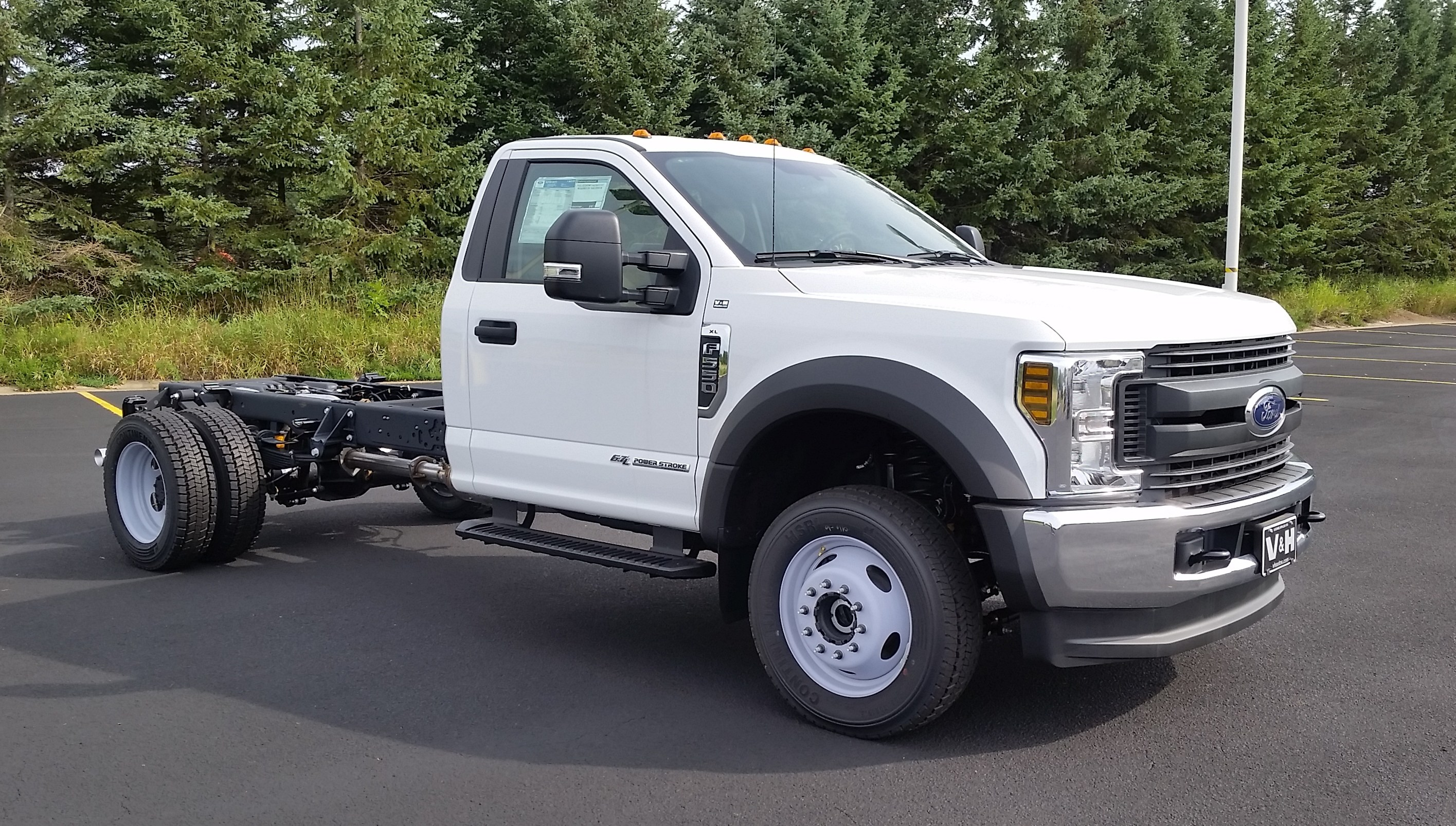 2018 F-550 Regular Cab DRW 4x4,  Cab Chassis #21839 - photo 3