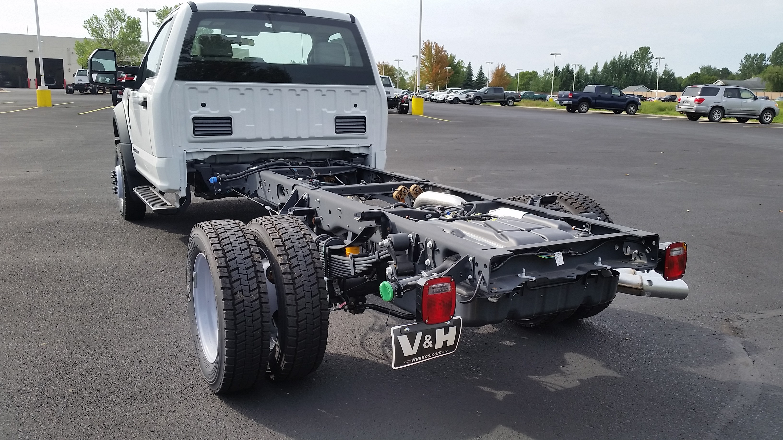 2018 F-550 Regular Cab DRW 4x4,  Cab Chassis #21839 - photo 11