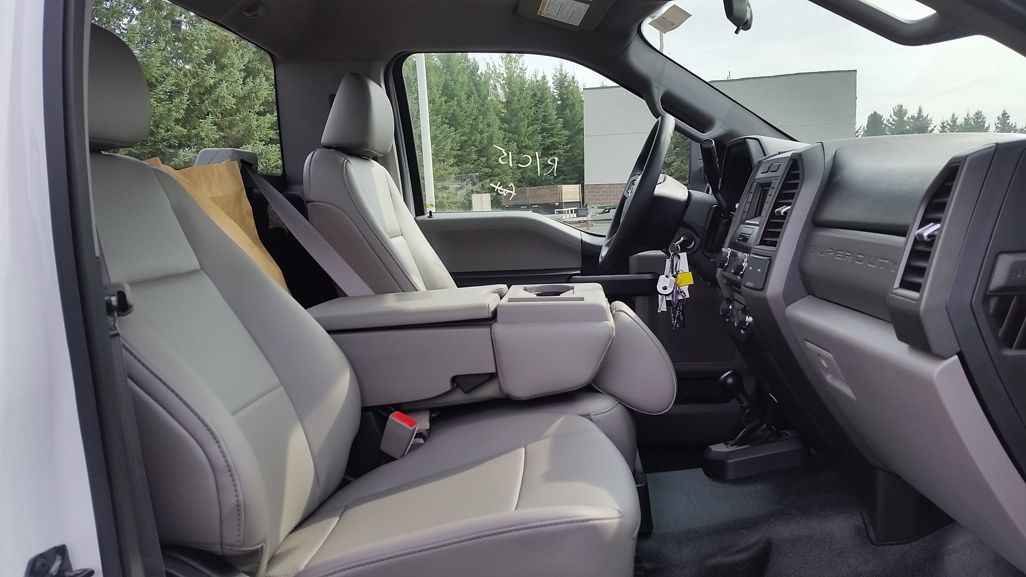 2018 F-550 Regular Cab DRW 4x4,  Cab Chassis #21839 - photo 15