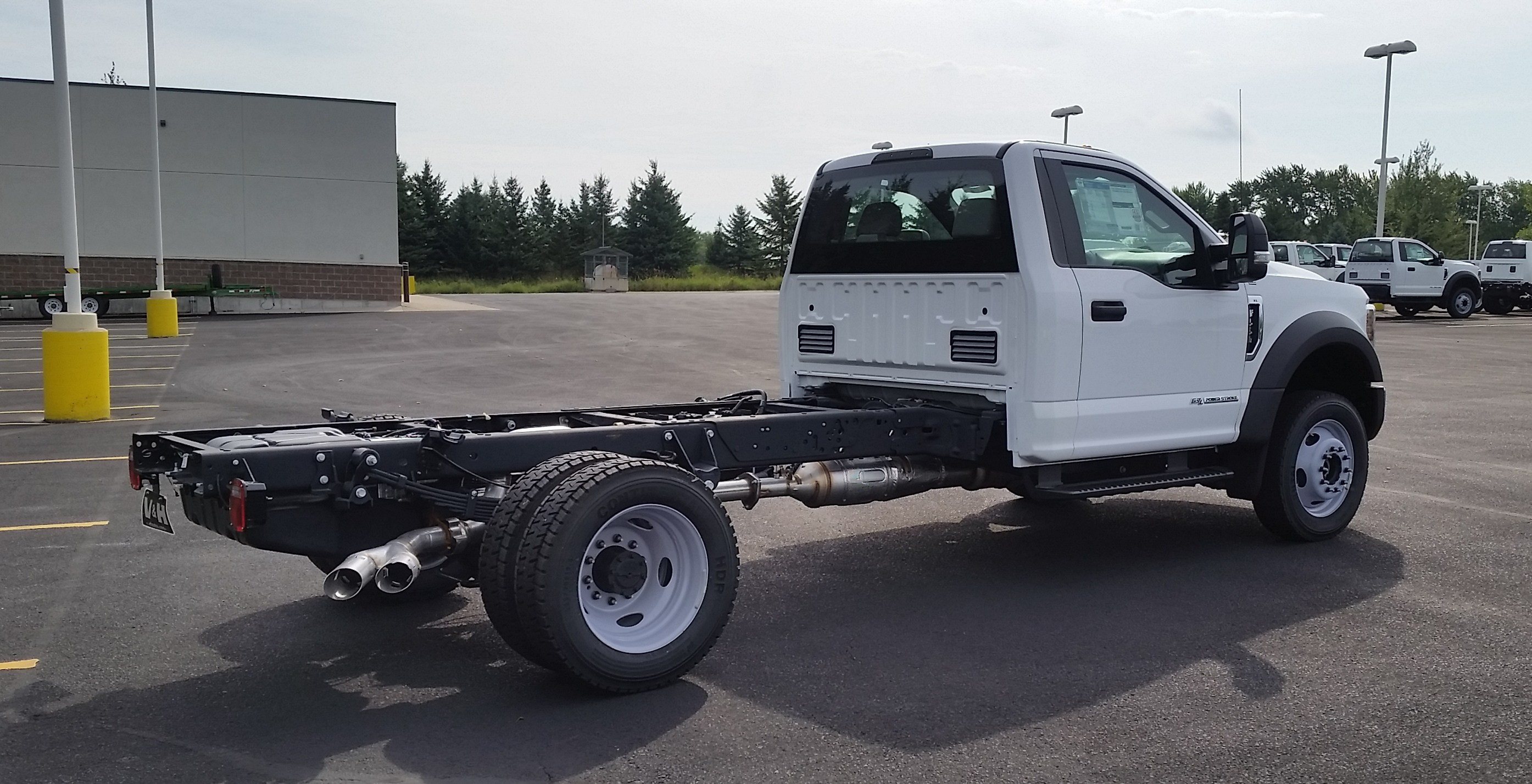 2018 F-550 Regular Cab DRW 4x4,  Cab Chassis #21839 - photo 8