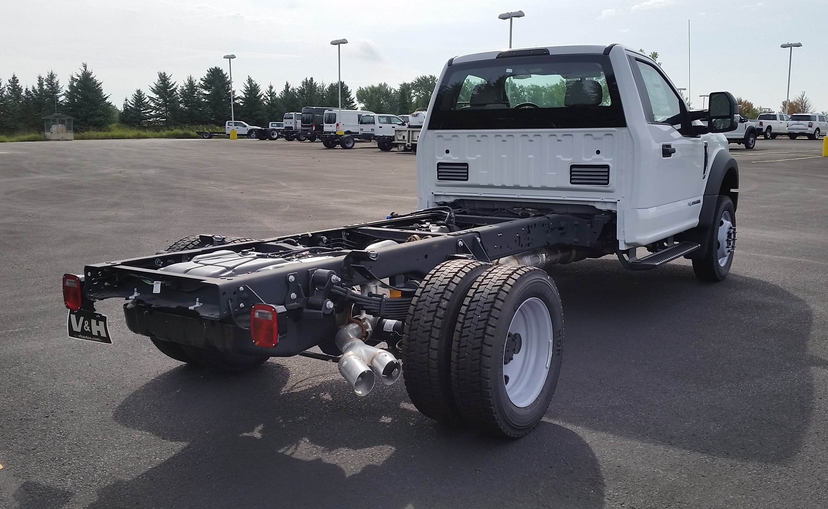 2018 F-550 Regular Cab DRW 4x4,  Cab Chassis #21839 - photo 9