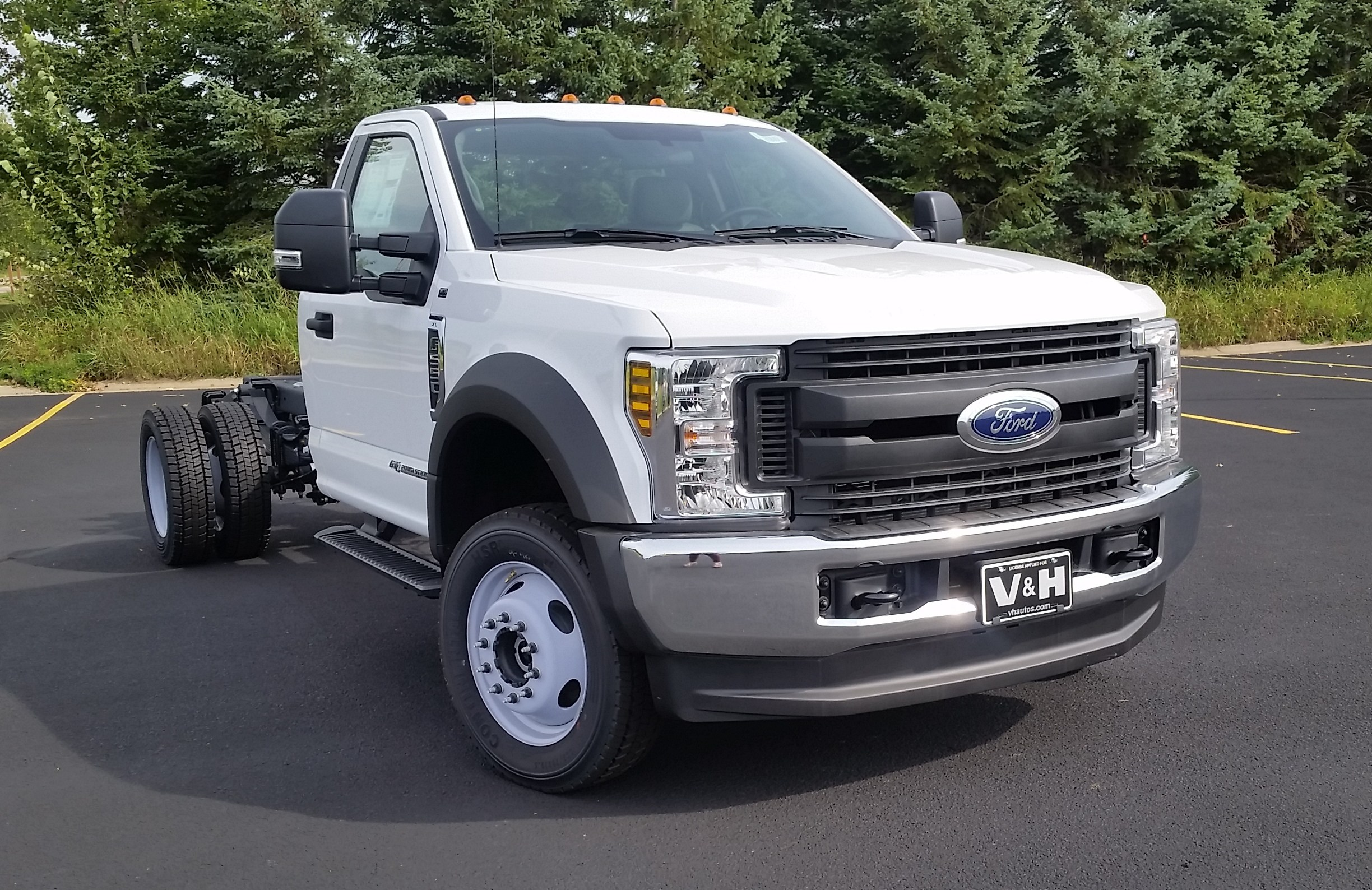 2018 F-550 Regular Cab DRW 4x4,  Cab Chassis #21840 - photo 3