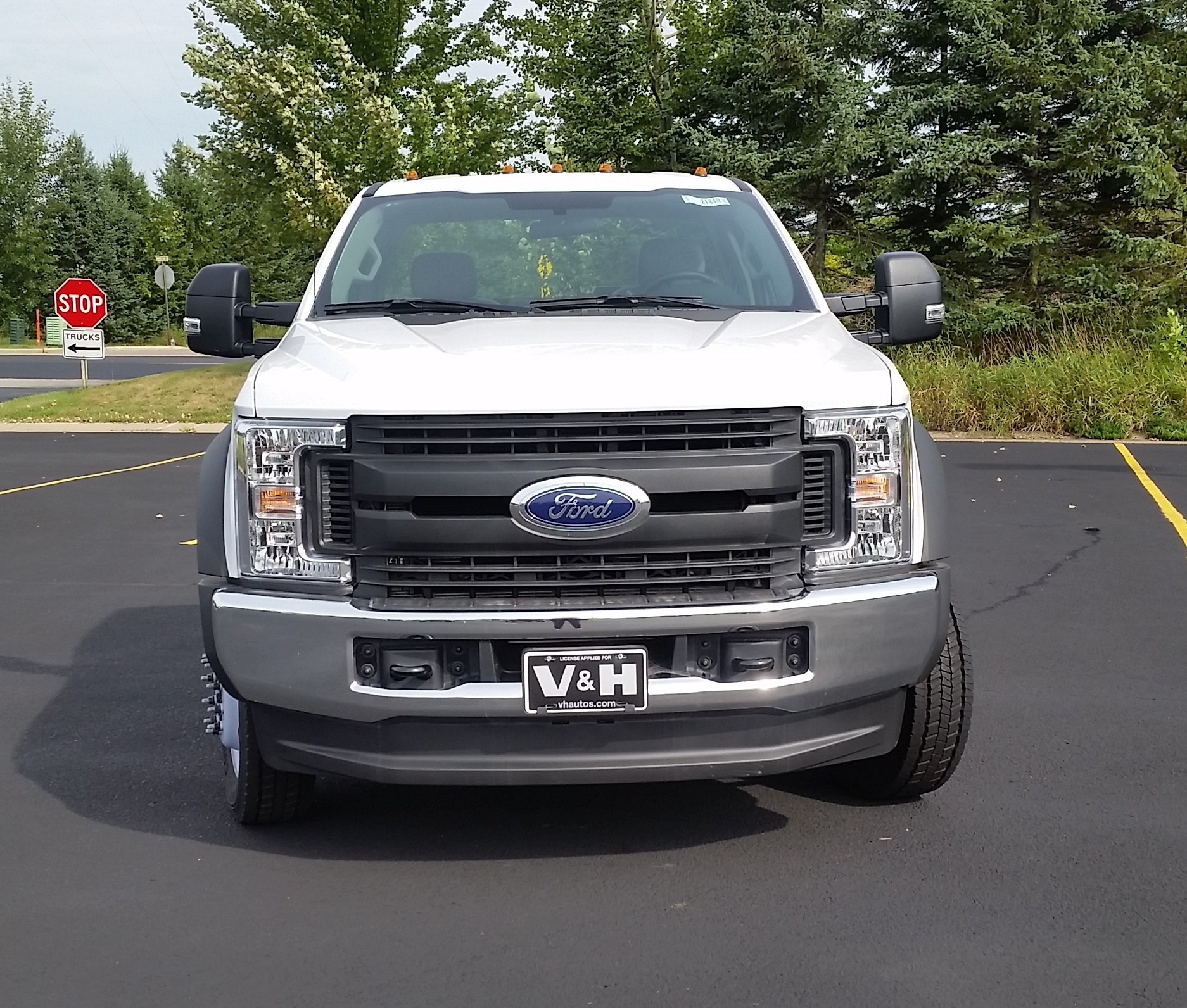 2018 F-550 Regular Cab DRW 4x4,  Cab Chassis #21840 - photo 4