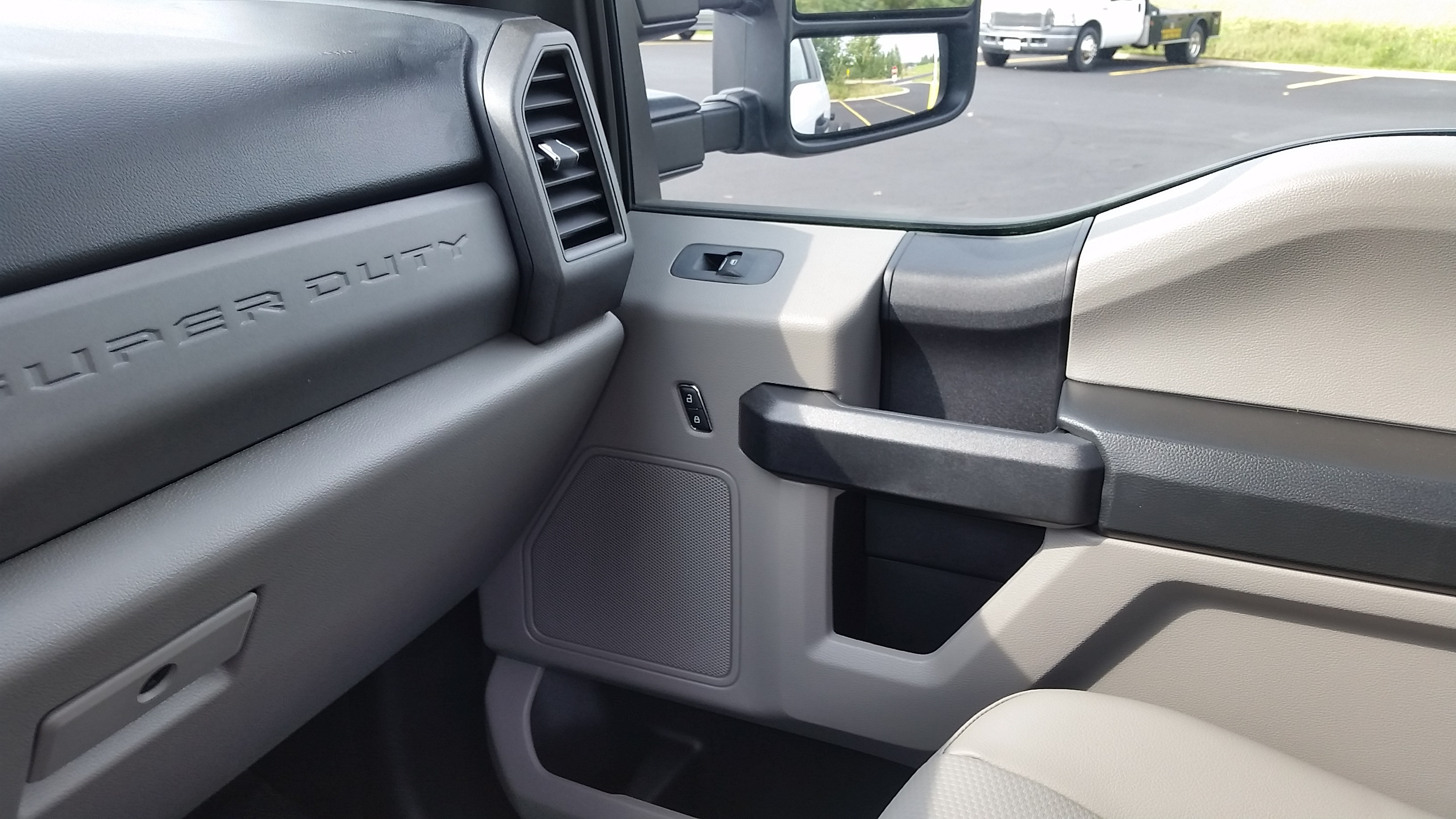 2018 F-550 Regular Cab DRW 4x4,  Cab Chassis #21840 - photo 20