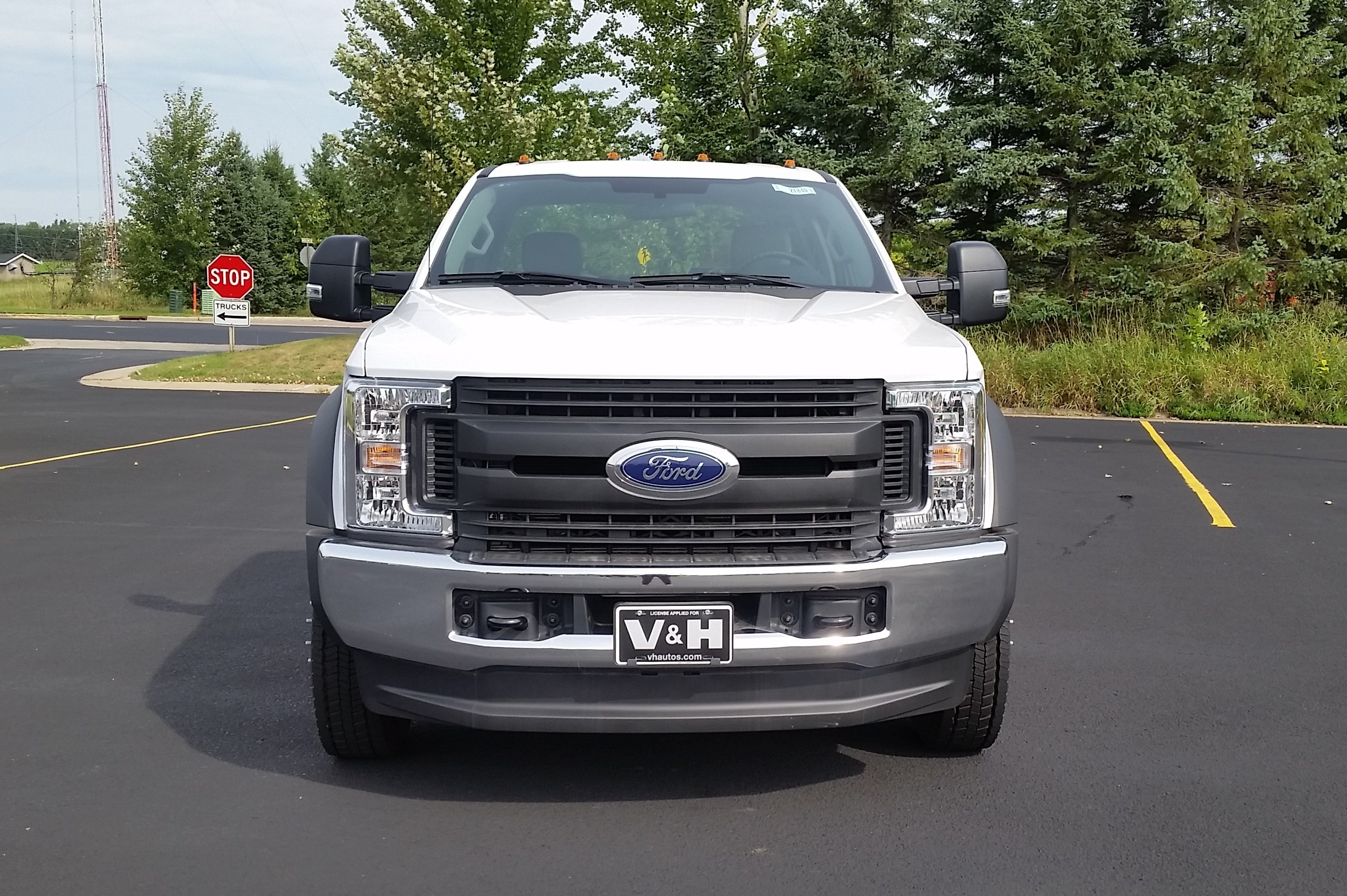 2018 F-550 Regular Cab DRW 4x4,  Cab Chassis #21840 - photo 7