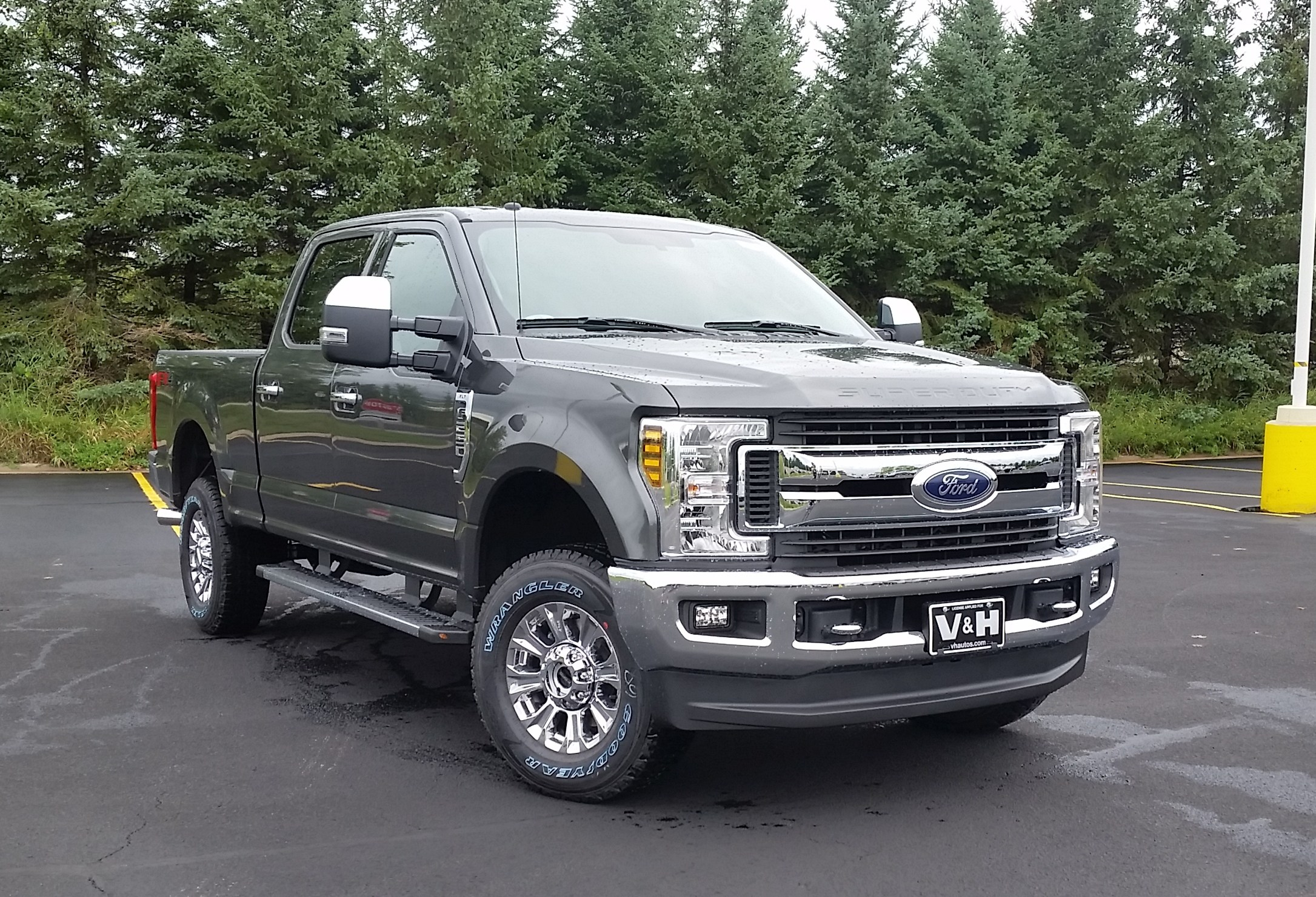 2019 F-250 Crew Cab 4x4,  Pickup #22016 - photo 3