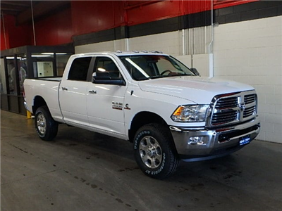 2017 Ram 2500 Crew Cab 4x4, Pickup #HG664427 - photo 3