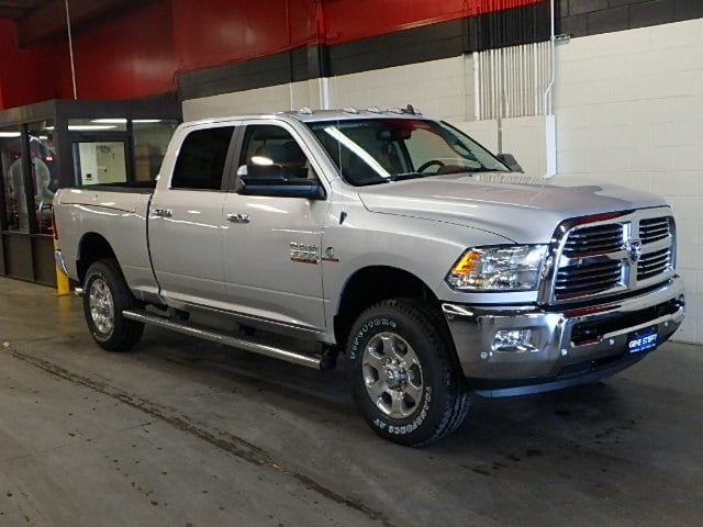 2017 Ram 3500 Crew Cab 4x4, Pickup #HG691060 - photo 3