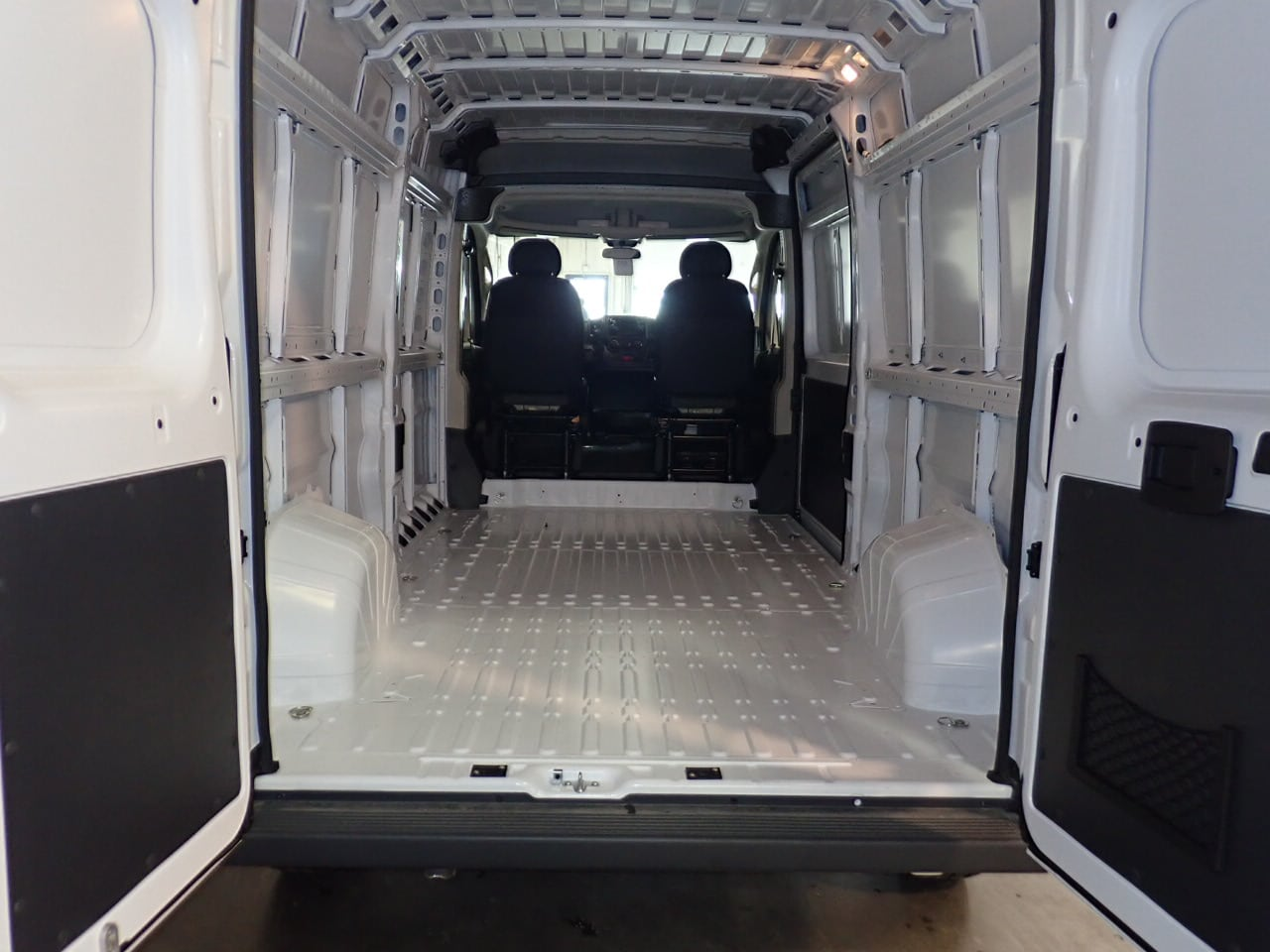 2018 ProMaster 2500 High Roof FWD,  Empty Cargo Van #JE132213 - photo 2