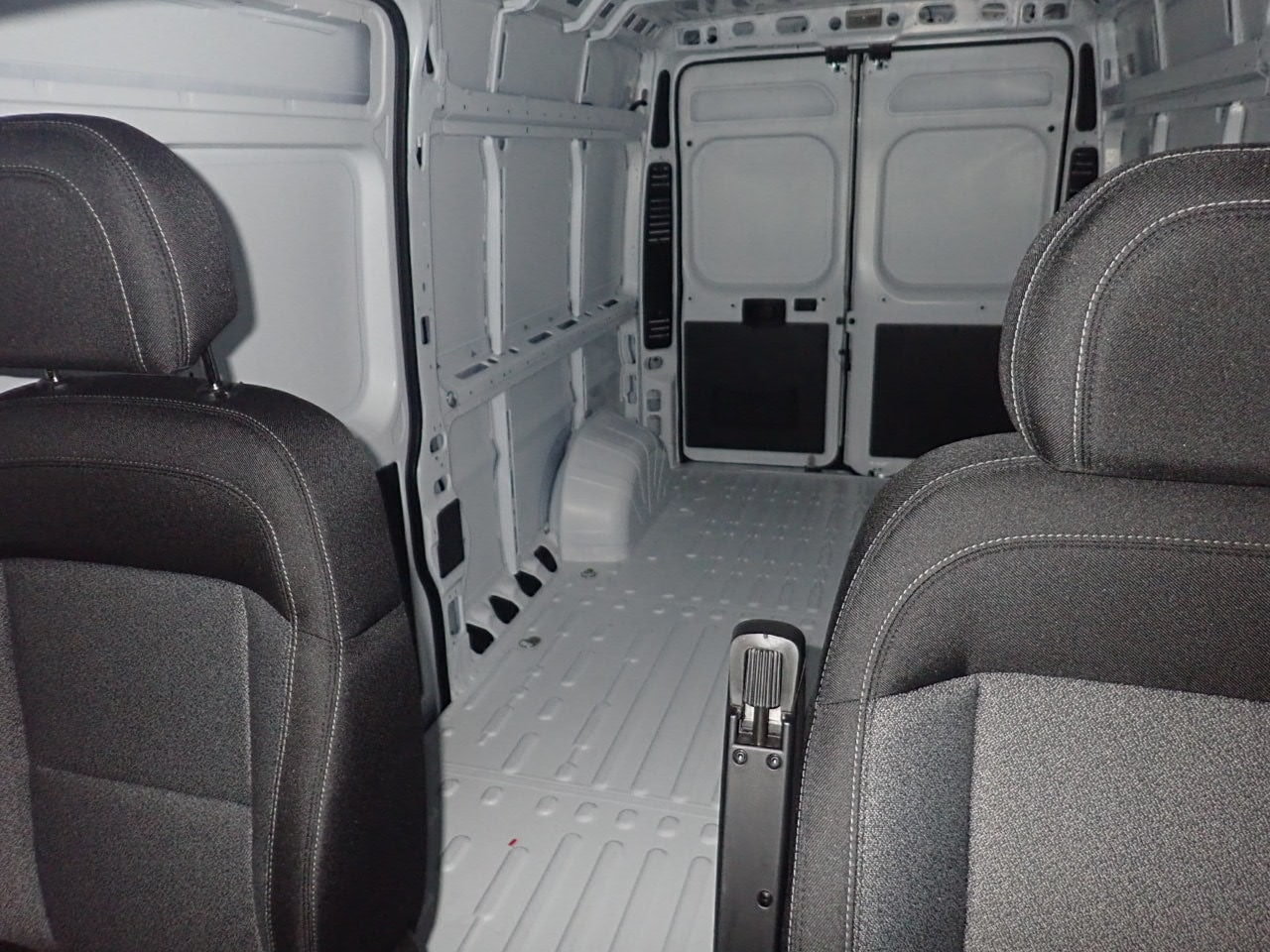 2018 ProMaster 2500 High Roof 4x2,  Empty Cargo Van #JE132214 - photo 9