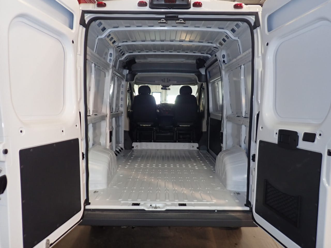 2018 ProMaster 2500 High Roof FWD,  Empty Cargo Van #JE132216 - photo 2