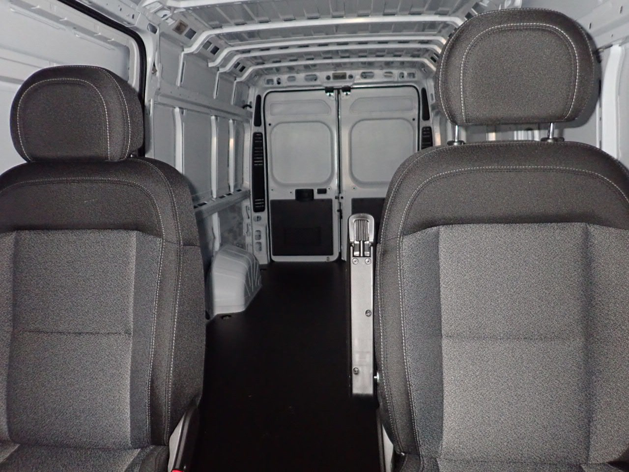 2018 ProMaster 3500 High Roof FWD,  Empty Cargo Van #JE141855 - photo 9