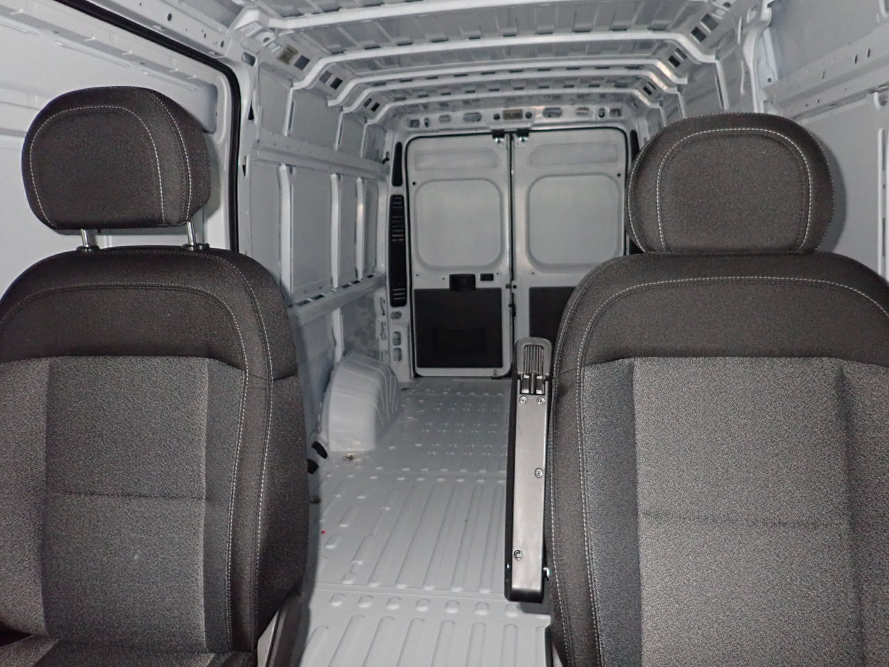 2018 ProMaster 3500 High Roof FWD,  Empty Cargo Van #JE141856 - photo 9