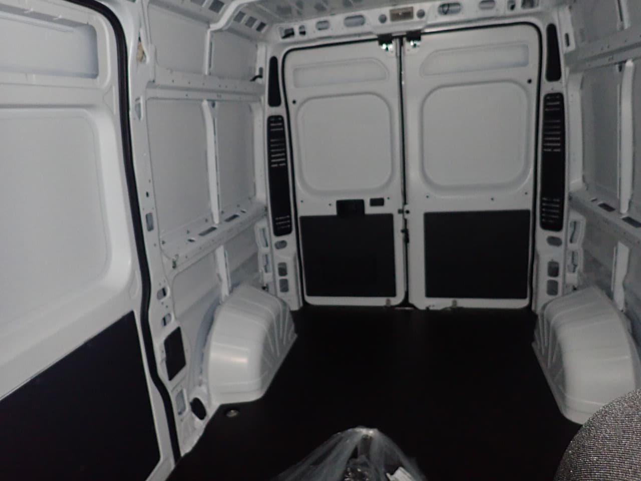 2018 ProMaster 2500 High Roof FWD,  Empty Cargo Van #JE156403 - photo 8