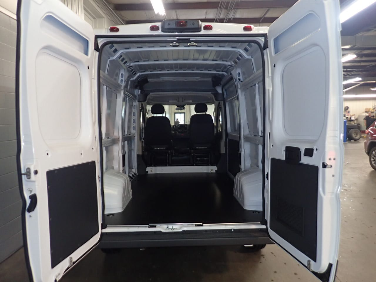2018 ProMaster 2500 High Roof FWD,  Empty Cargo Van #JE156403 - photo 2