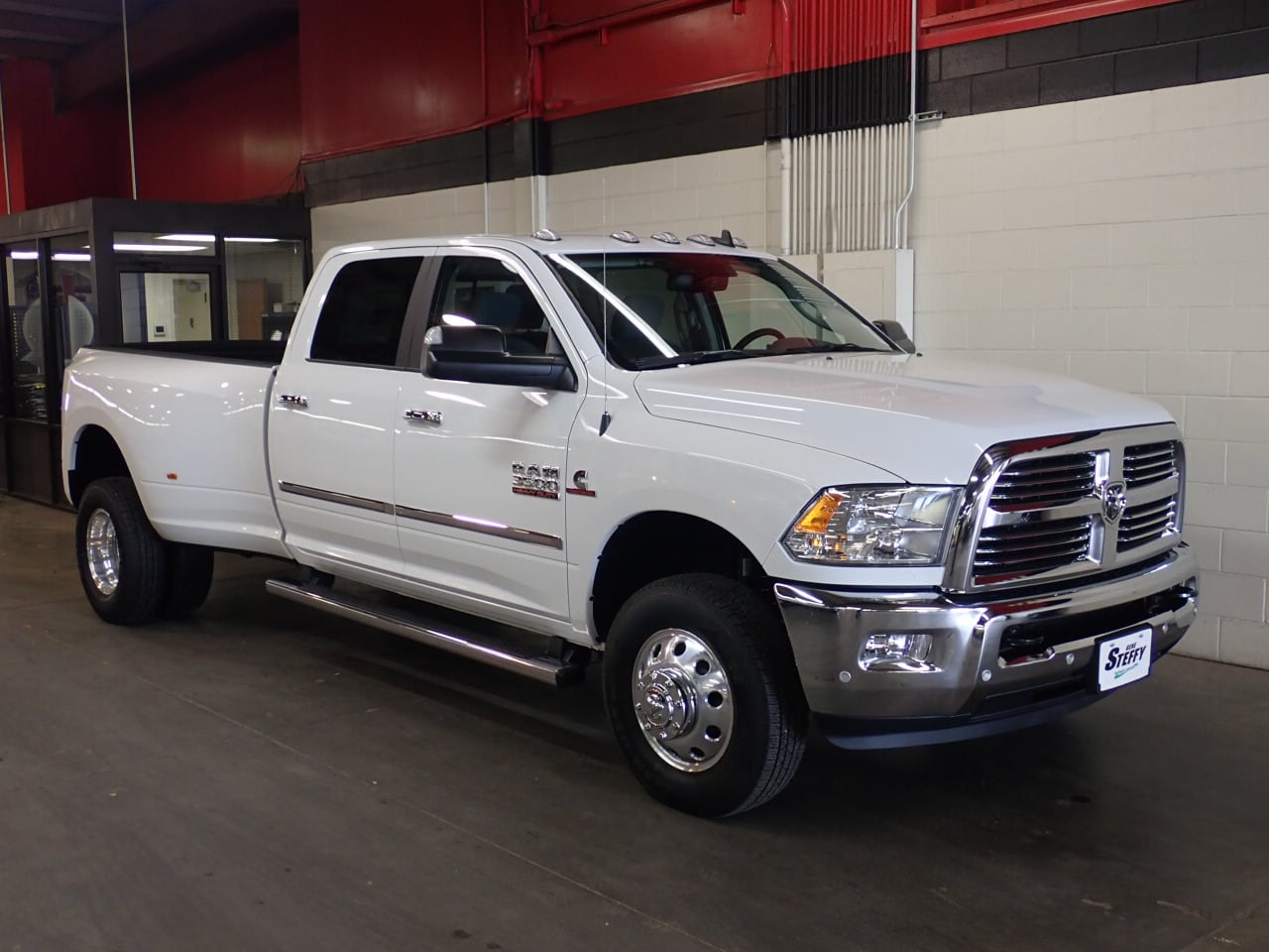 2018 Ram 3500 Crew Cab DRW 4x4,  Pickup #JG274406 - photo 3