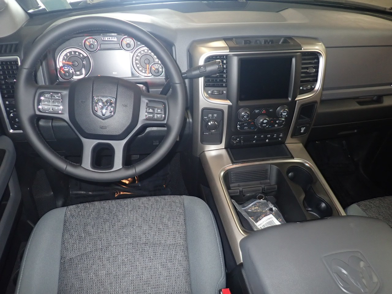 2018 Ram 2500 Crew Cab 4x4,  Pickup #JG284369 - photo 5