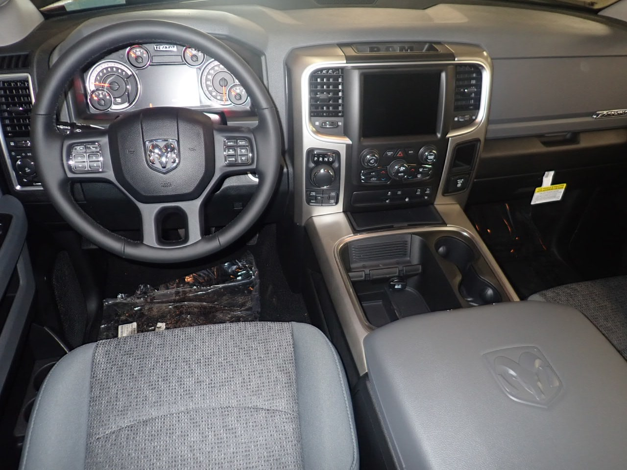 2018 Ram 1500 Crew Cab 4x4,  Pickup #JS268096 - photo 5