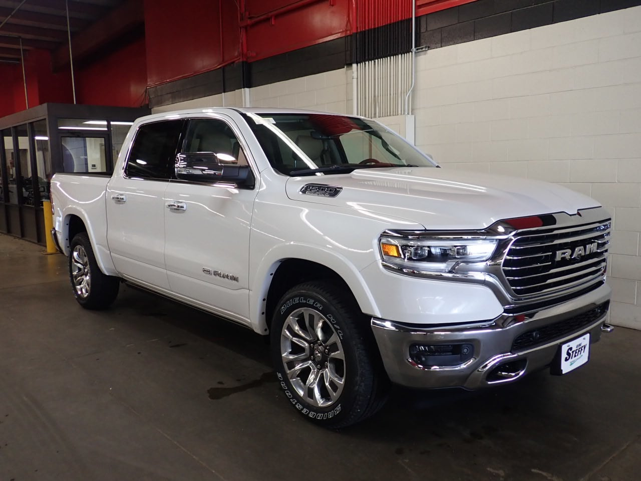 2019 Ram 1500 Crew Cab 4x4,  Pickup #KN523626 - photo 3
