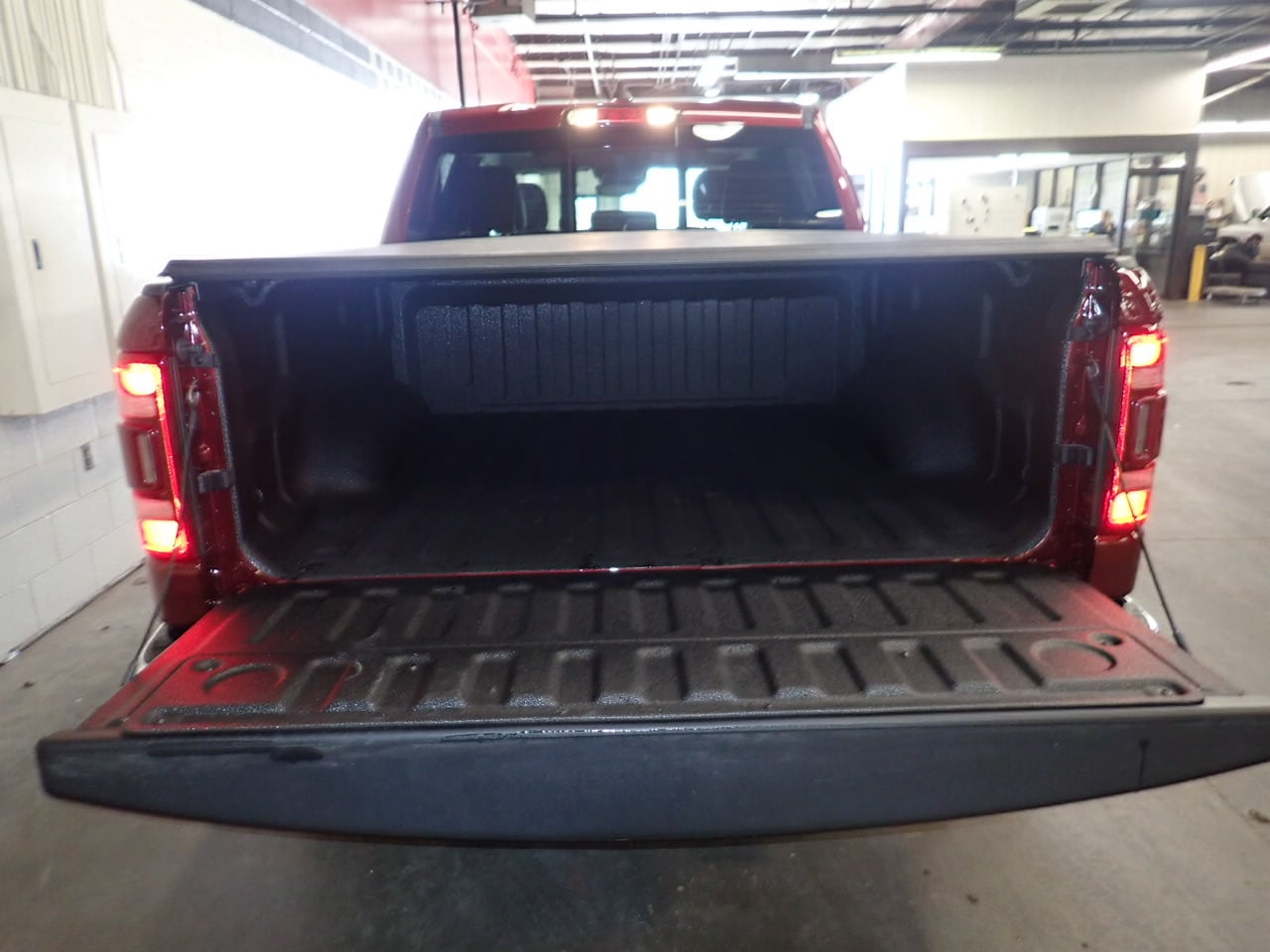 2019 Ram 1500 Crew Cab 4x4,  Pickup #KN526445 - photo 9