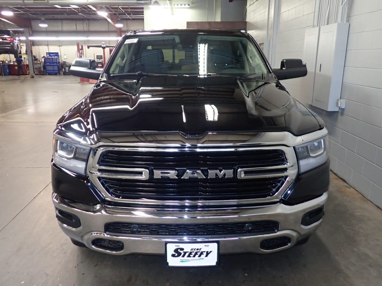 2019 Ram 1500 Crew Cab 4x4,  Pickup #KN538436 - photo 4
