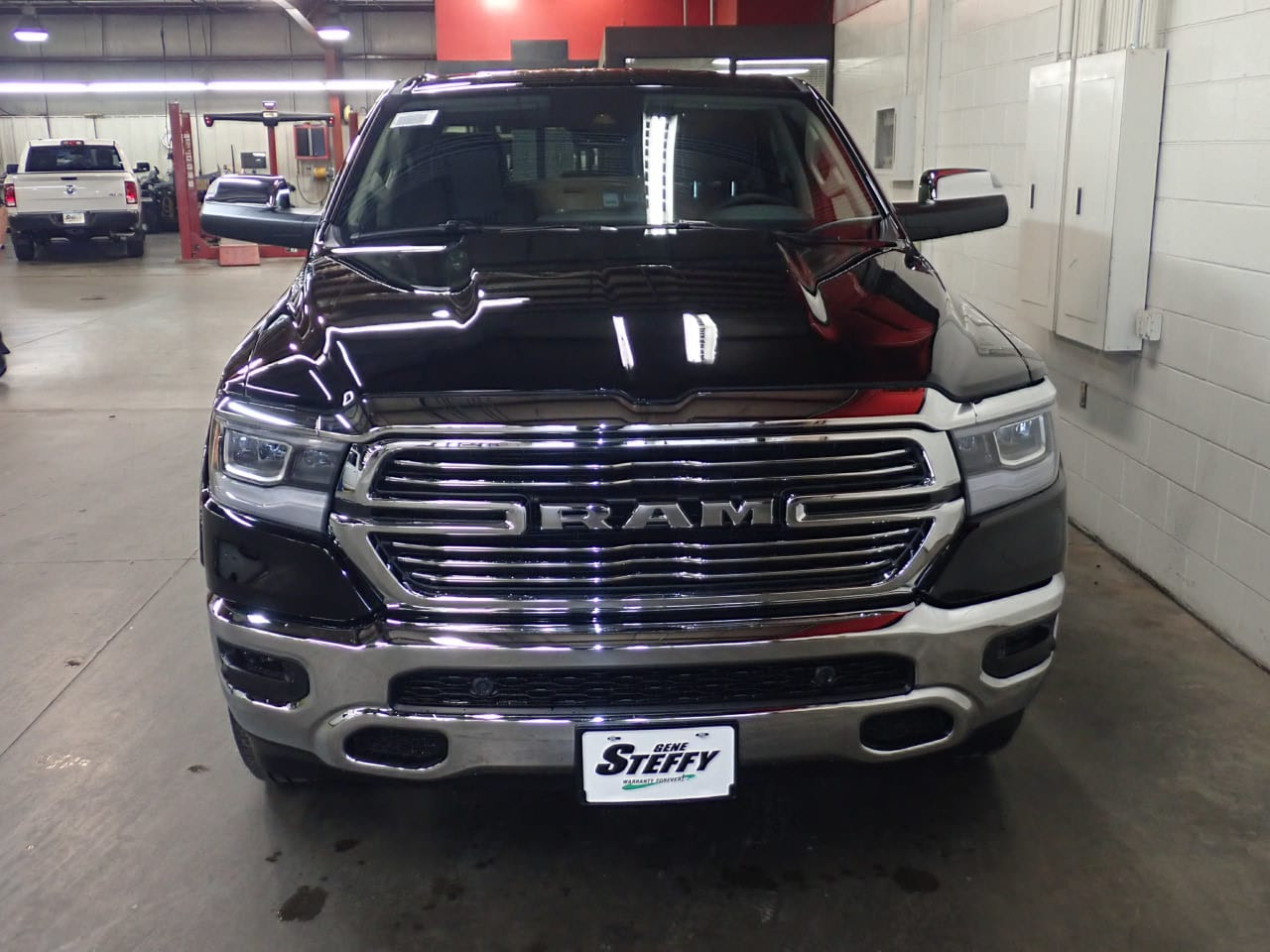 2019 Ram 1500 Crew Cab 4x4,  Pickup #KN544062 - photo 4