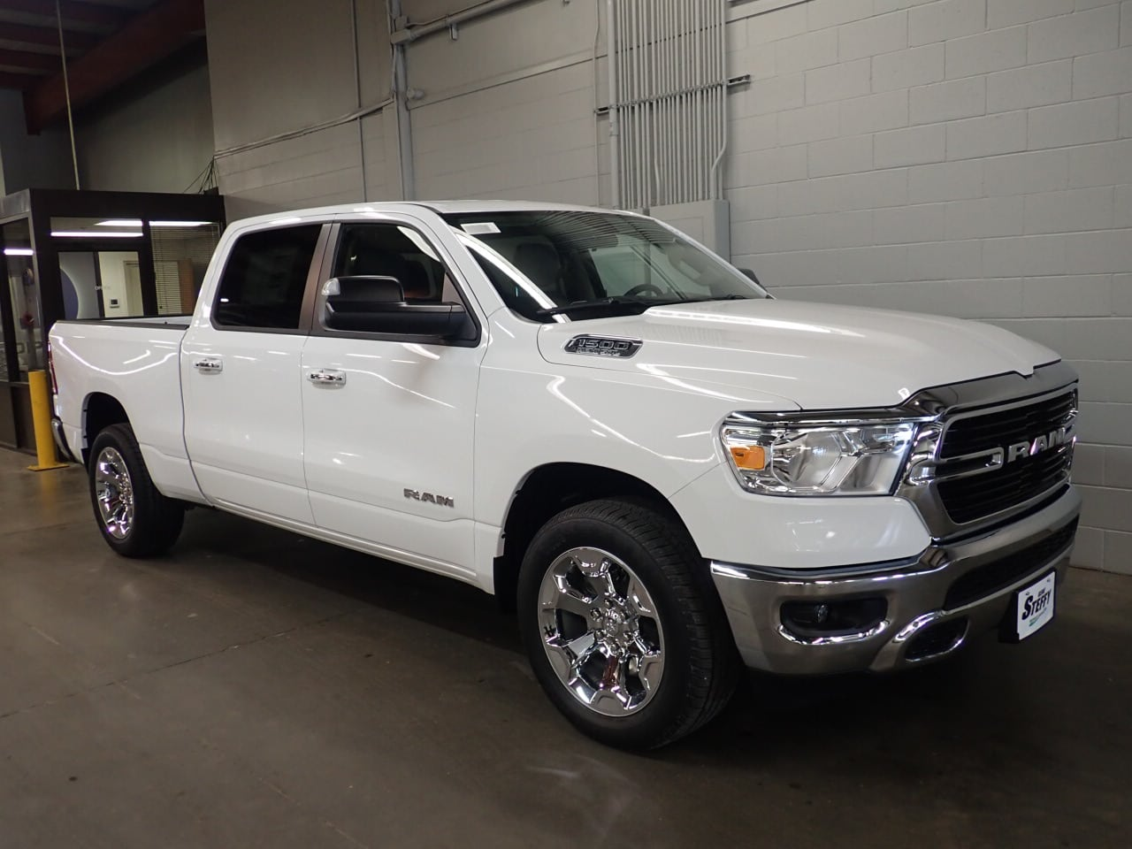 2019 Ram 1500 Crew Cab 4x4,  Pickup #KN598783 - photo 3