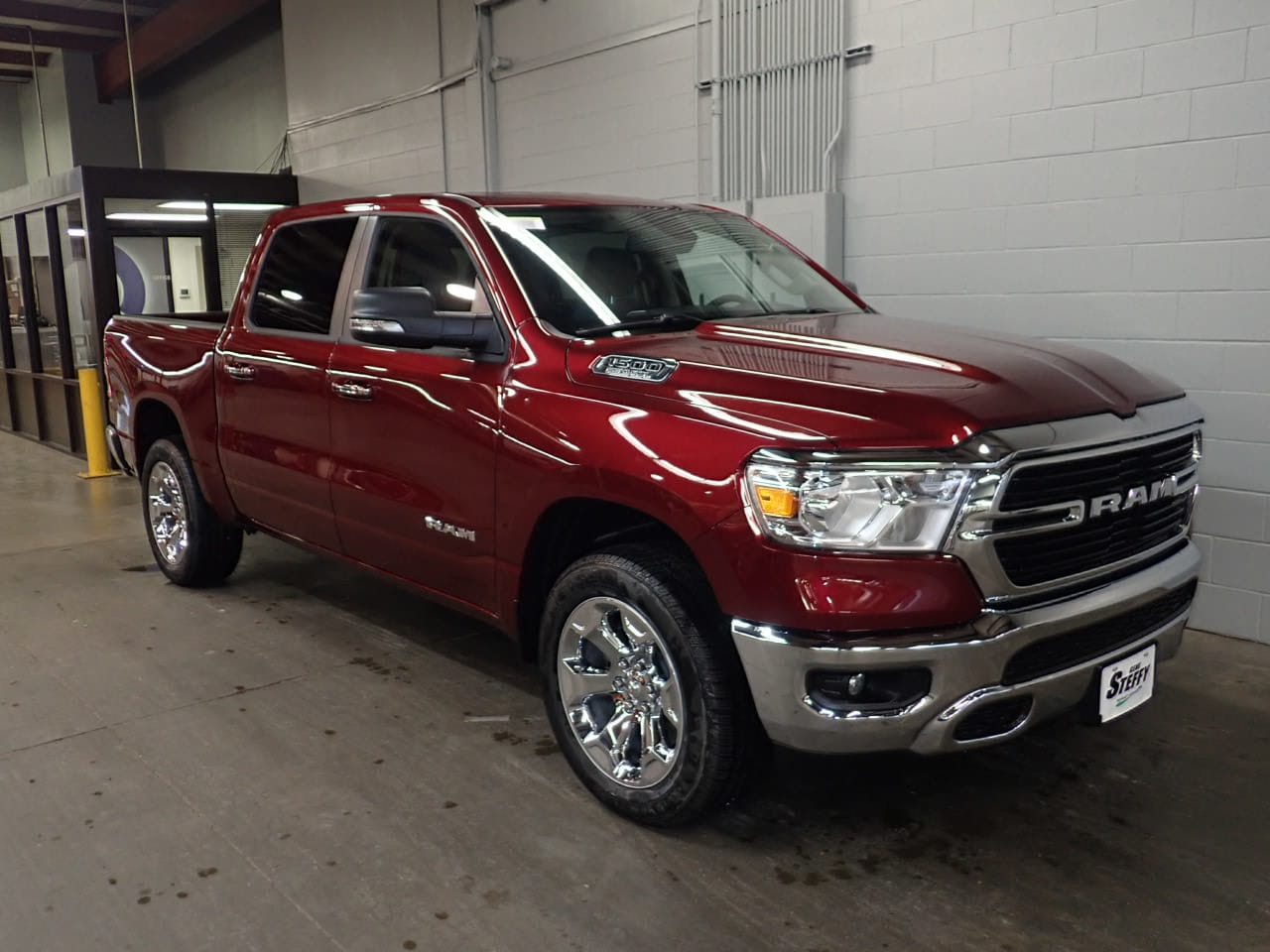 2019 Ram 1500 Crew Cab 4x4,  Pickup #KN655066 - photo 3