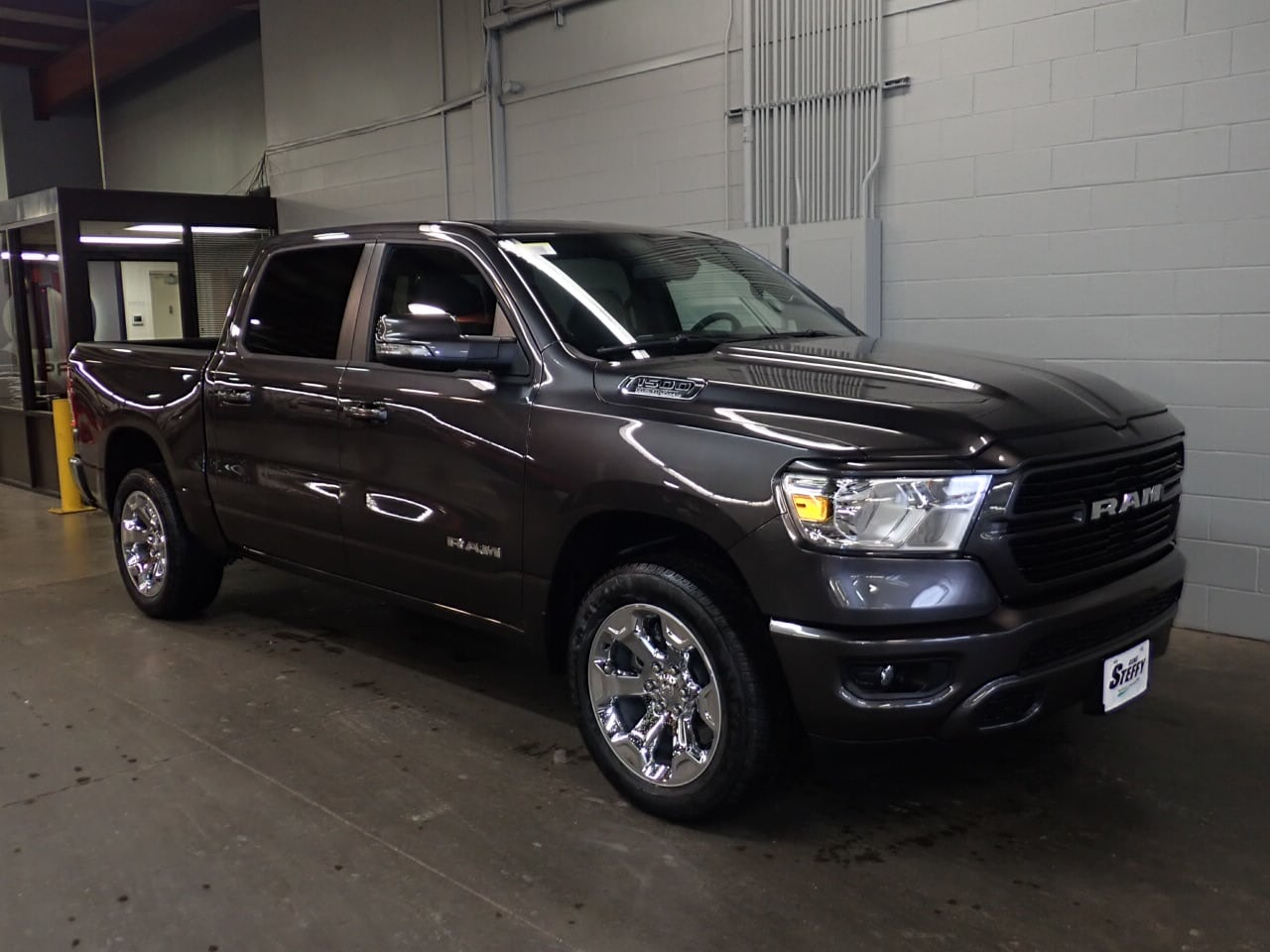 2019 Ram 1500 Crew Cab 4x4,  Pickup #KN655067 - photo 3