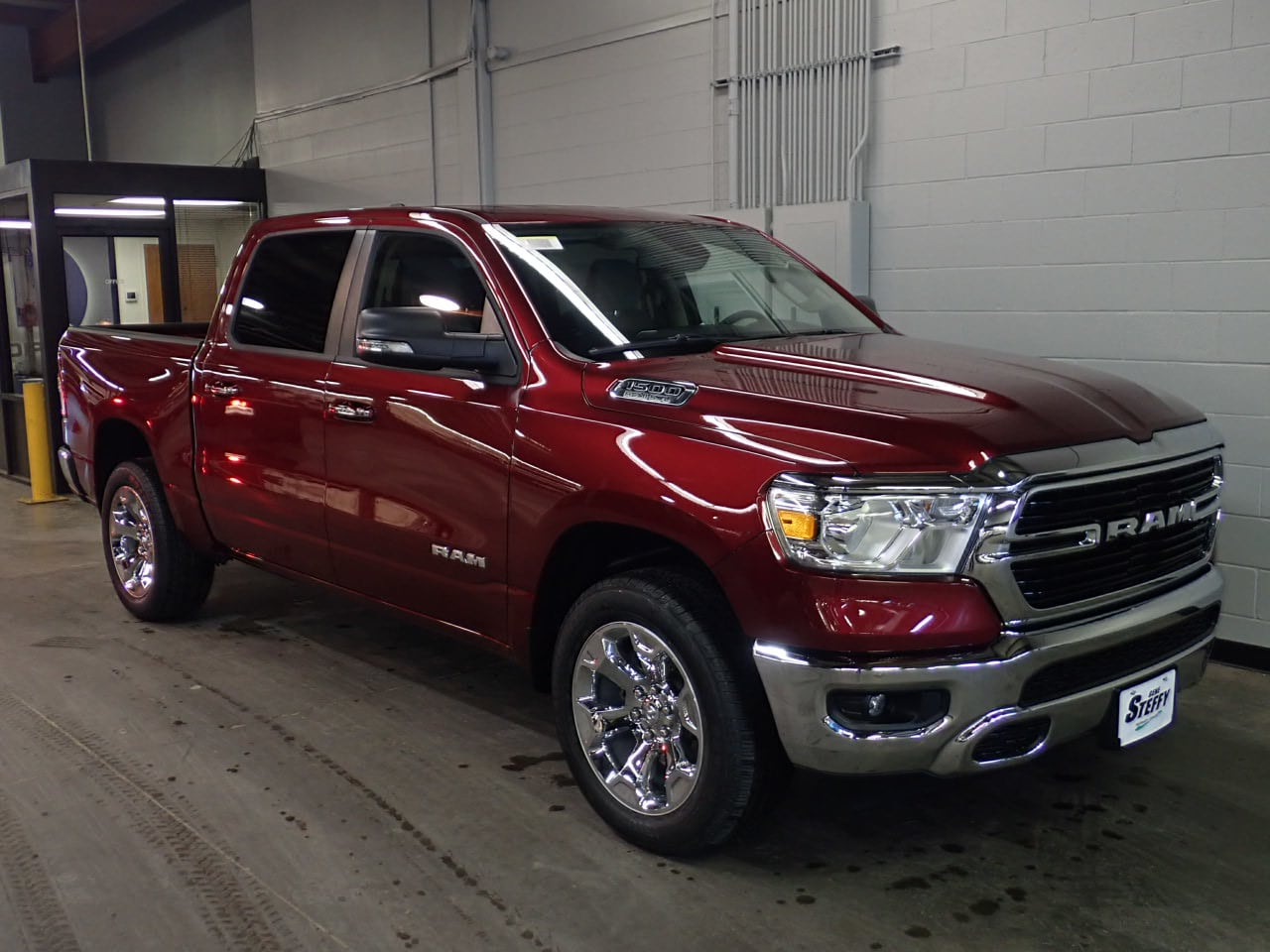 2019 Ram 1500 Crew Cab 4x4,  Pickup #KN691148 - photo 3