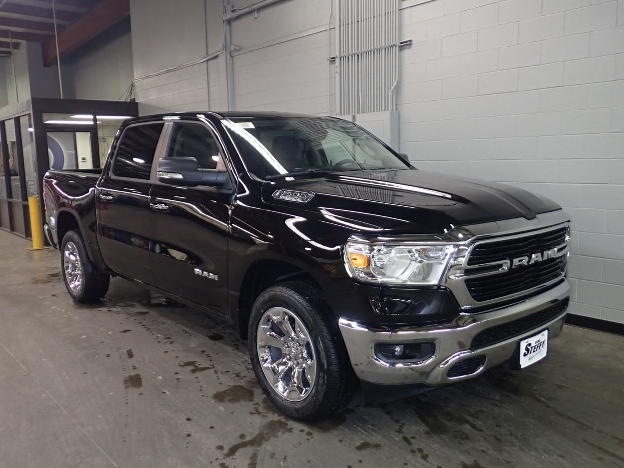 2019 Ram 1500 Crew Cab 4x4,  Pickup #KN691149 - photo 3
