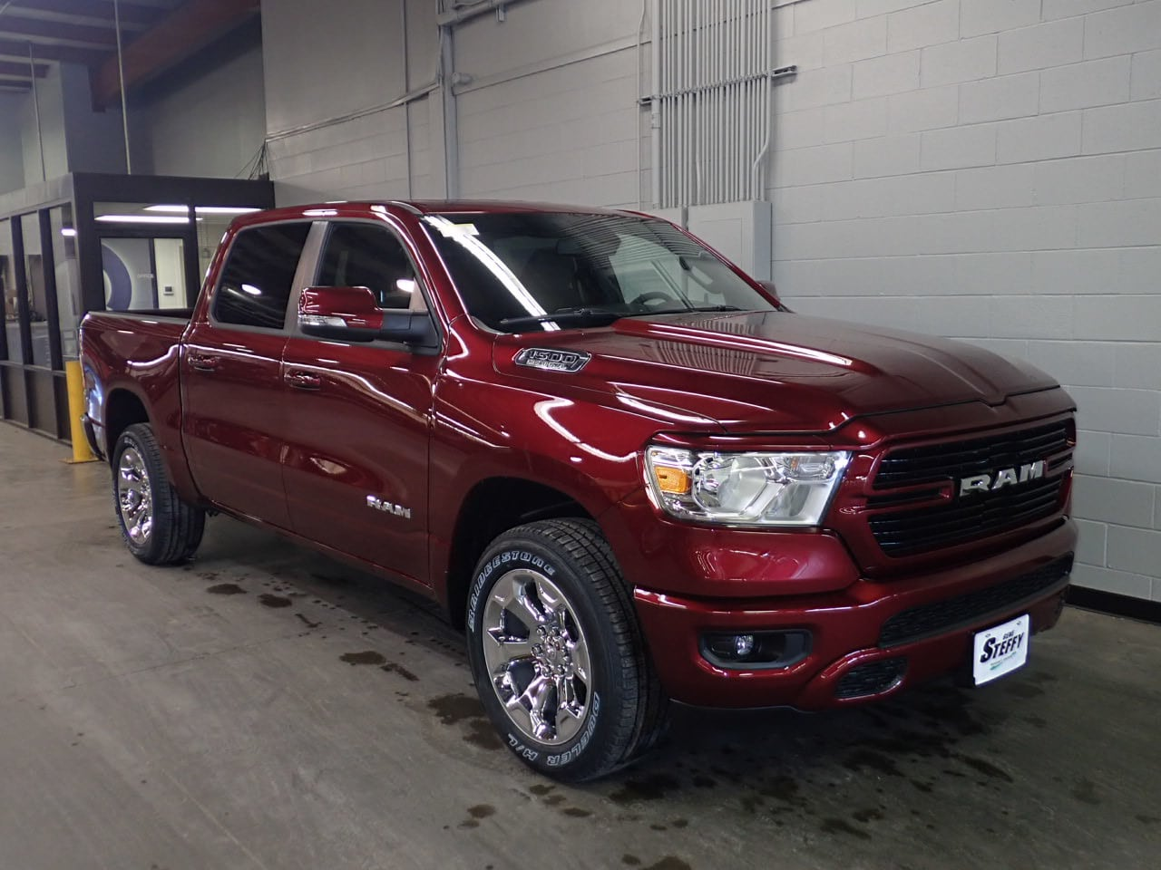 2019 Ram 1500 Crew Cab 4x4,  Pickup #KN712268 - photo 3