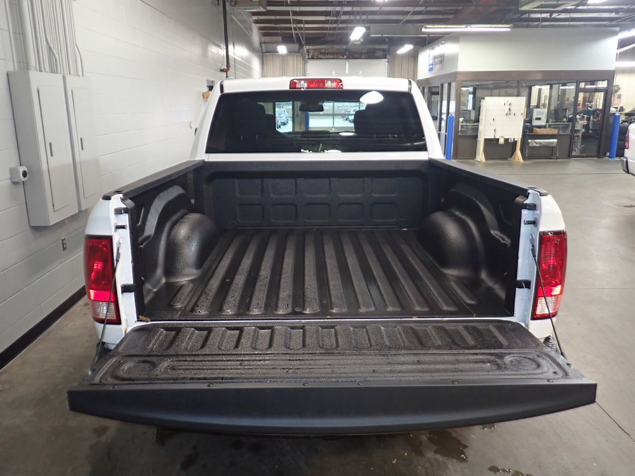 2019 Ram 1500 Crew Cab 4x4,  Pickup #KS522868 - photo 9