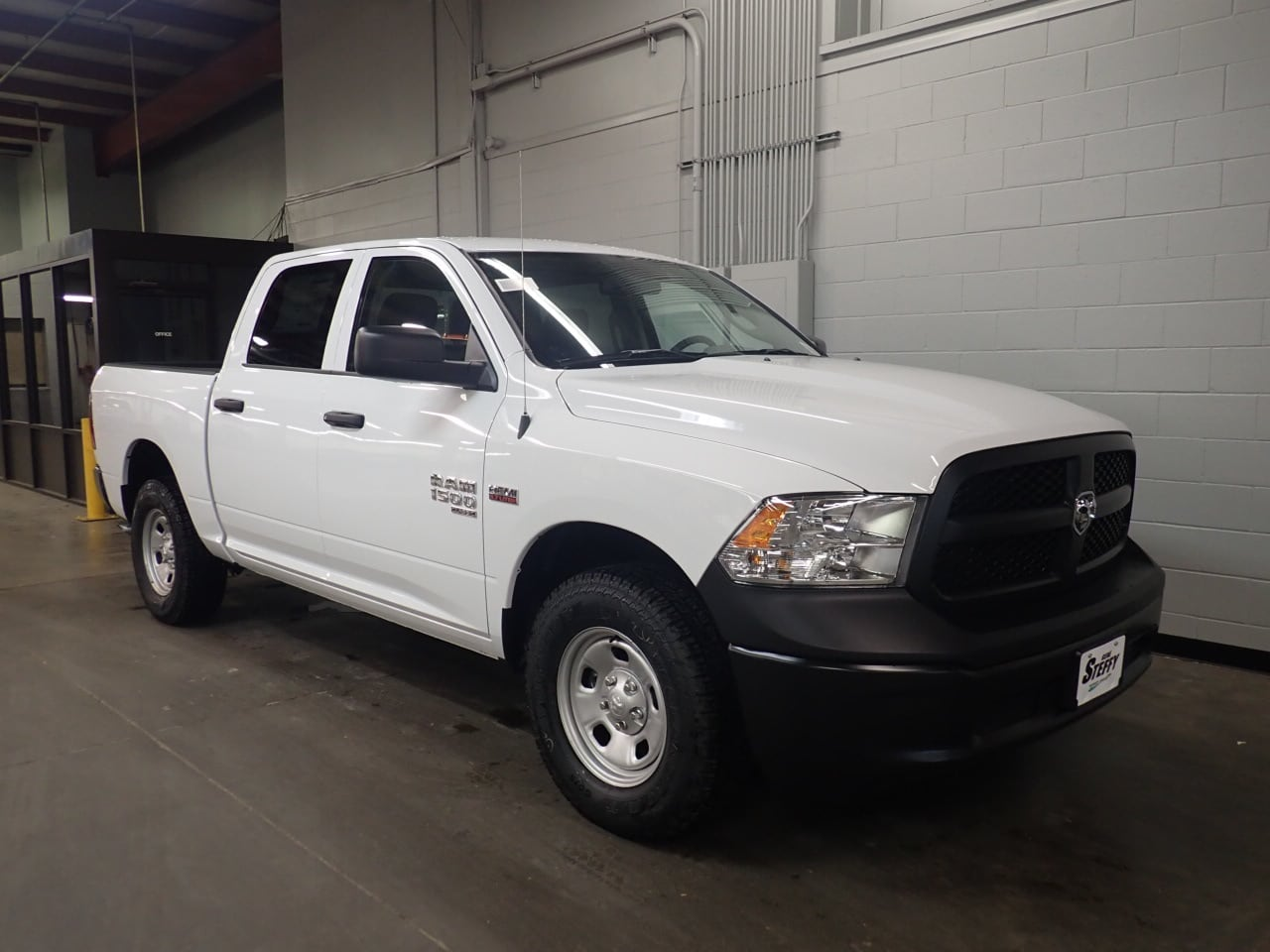 2019 Ram 1500 Crew Cab 4x4,  Pickup #KS522868 - photo 3