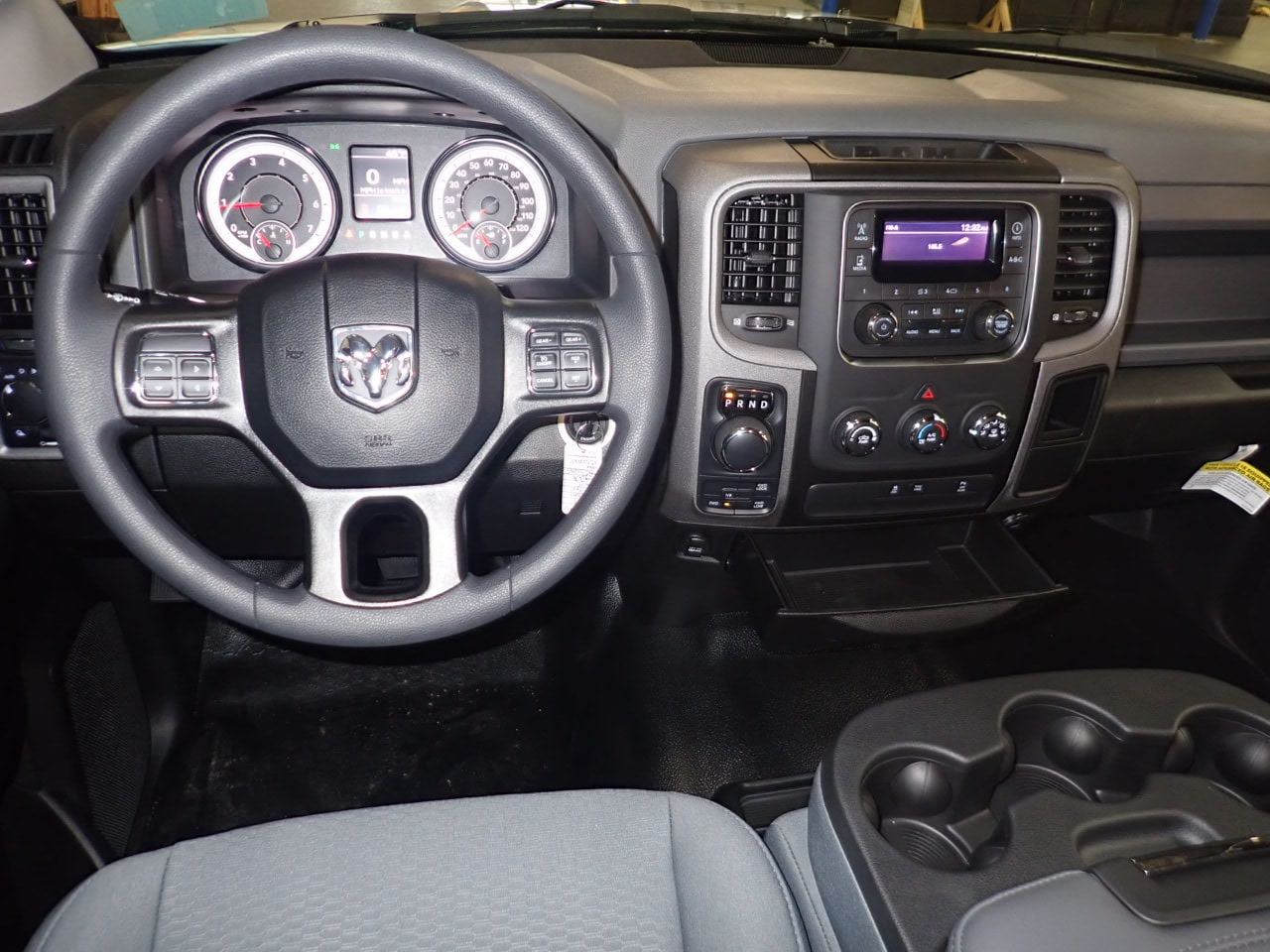 2019 Ram 1500 Crew Cab 4x4,  Pickup #KS522868 - photo 5