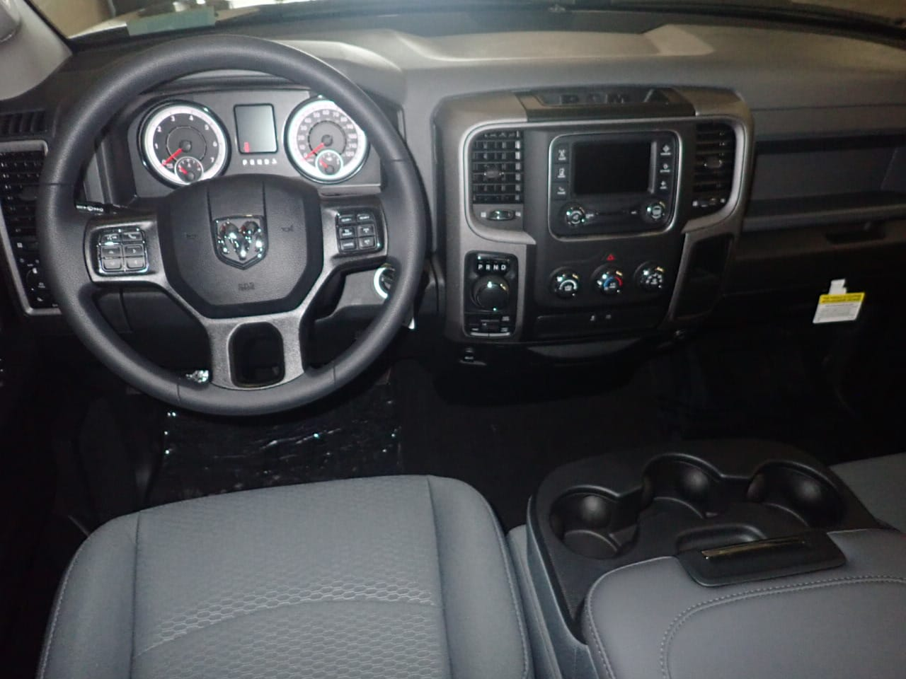 2018 Ram 1500 Quad Cab 4x4, Pickup #js287066 - photo 5