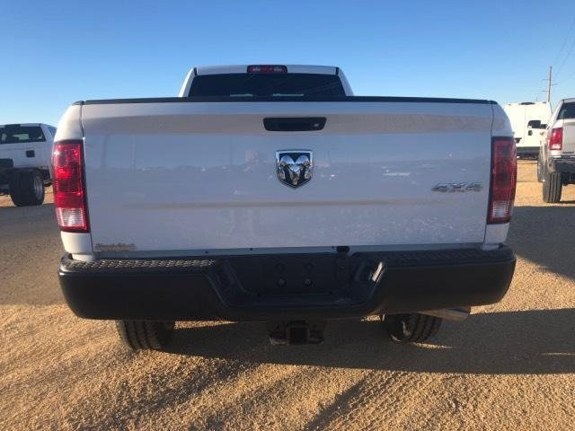 2018 Ram 3500 Crew Cab 4x4, Pickup #11XD18153 - photo 17