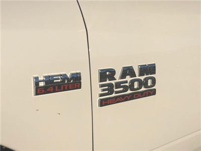 2018 Ram 3500 Crew Cab 4x4, Pickup #11XD18153 - photo 21
