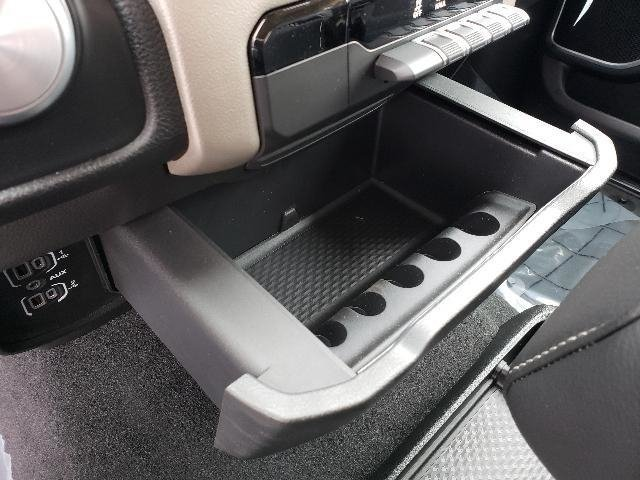 2019 Ram 1500 Crew Cab 4x4,  Pickup #6D10985 - photo 29
