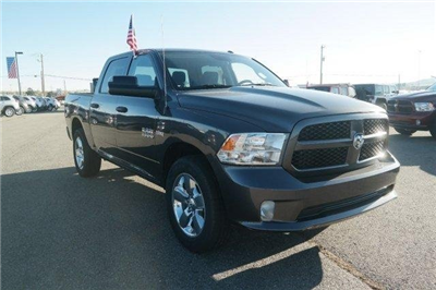 2018 Ram 1500 Crew Cab 4x4,  Pickup #6D18064 - photo 8