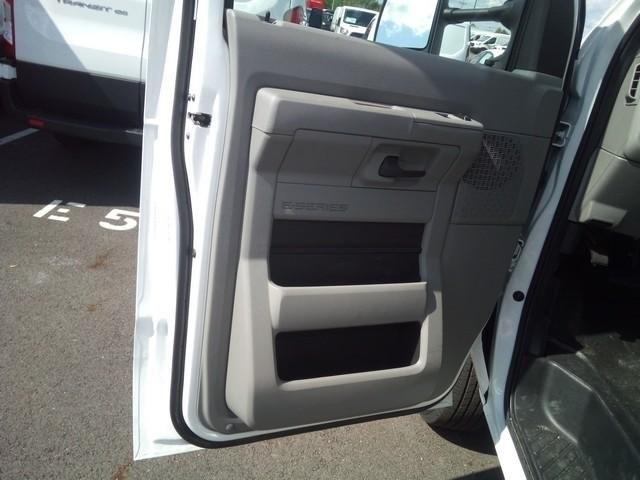 2019 E-350 4x2, Morgan Parcel Aluminum Cutaway Van #JM9051F - photo 11