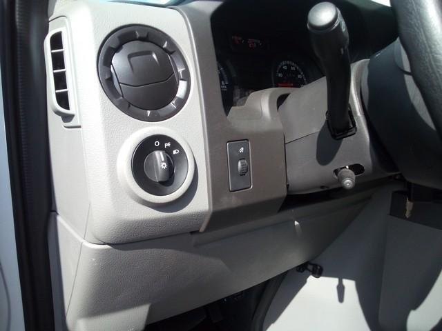 2019 E-350 4x2, Morgan Parcel Aluminum Cutaway Van #JM9051F - photo 15