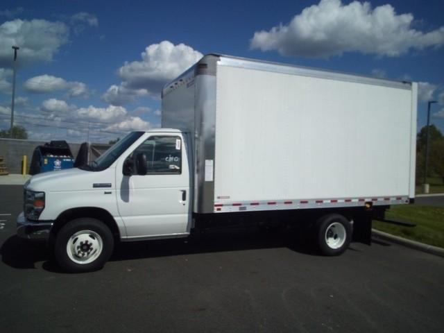 2019 E-350 4x2, Morgan Parcel Aluminum Cutaway Van #JM9051F - photo 4