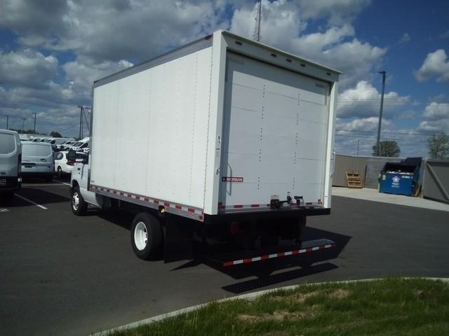 2019 E-350 4x2, Morgan Parcel Aluminum Cutaway Van #JM9051F - photo 6