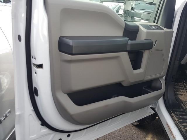 2019 F-550 Regular Cab DRW 4x4, Platform Body #JM9227F - photo 1
