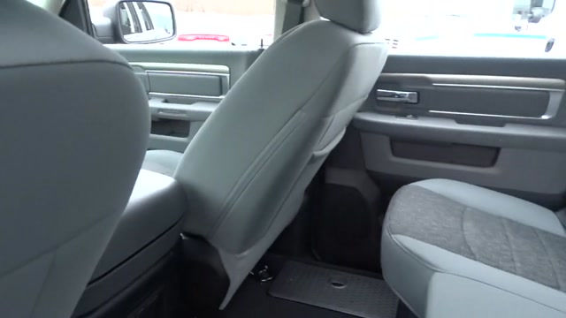 2018 Ram 1500 Crew Cab 4x4, Pickup #180440 - photo 20
