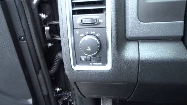 2018 Ram 1500 Crew Cab 4x4, Pickup #180440 - photo 24